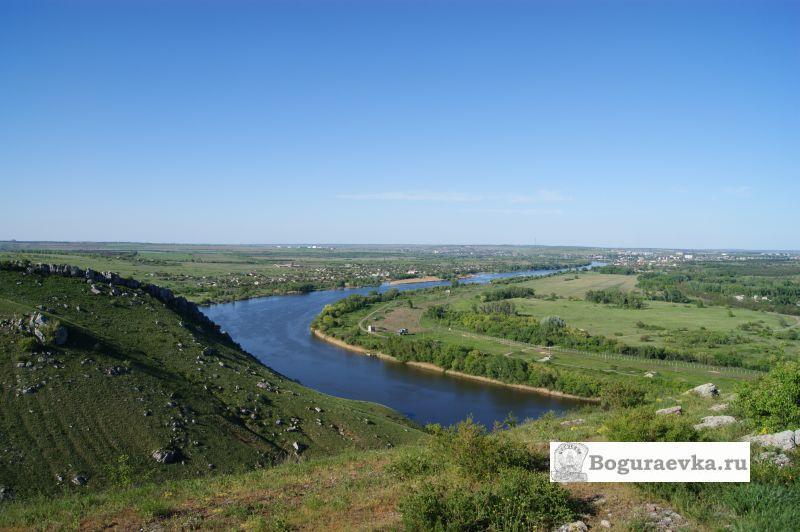 Вид с гор Две сестры на реку Северский Донец