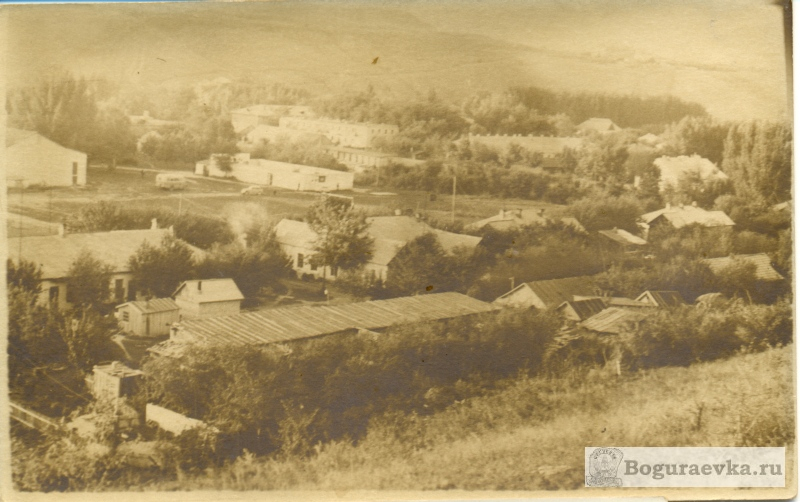 Вид с холма на улицу Заречную